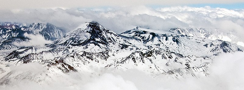 Gunung Tupungatito di Chili