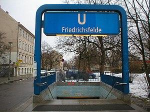 Friedrichsfelde (Berlin U-Bahn) - Entrance on Einbecker Straße