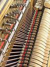 Os martelos e as cordas do piano