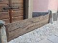 Us'cera in legno su abitazione.jpg