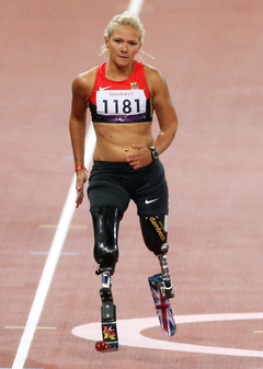 Vanessa Low at the 2012 Summer Paralympics.png
