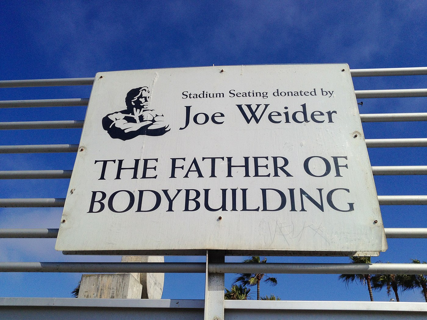 Venice beach Joe Weider in LA (22062193639).jpg