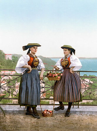 Vierlande - Traditional costume of the Vierlande farmer's wives