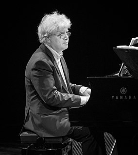 Vigleik Storaas pianist