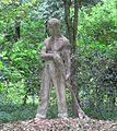 Villa roncioni, san giuliano, parco 02 statua contadino.JPG