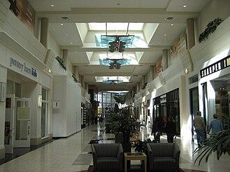 Washington Square (Oregon) - Interior of the 2005 addition