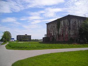 Werftbunker in Wilhelmshaven.JPG