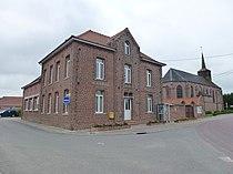 Westrehem (Pas-de-Calais, Fr) mairie et église.JPG