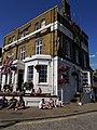 White Cross, Richmond, August 2015 03.jpg