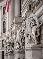 Wien - Heraklesgruppen an der Hofburgseite Michaelertrakt.jpg