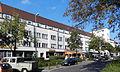 Wohnhäuser und Ladenzeile Breitenbachplatz 10-14.jpg