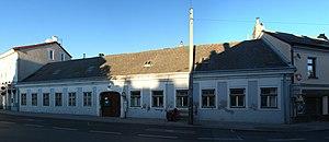 Wohnhaus_Kirchenplatz_6_(Atzgersdorf)_01.jpg