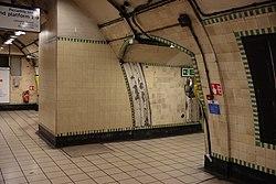 WoodGreen - Westbound platform entrance before (4571251190).jpg