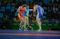Wrestling at the 2016 Summer Olympics, Makhov vs Zasyeyev.jpg