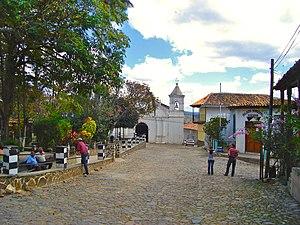 Yuscarán - A park and church in Yuscarán
