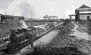 Buenos Aires Central Railway - Train at Zárate station, 1914.