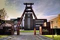 Zeche Zollverein Förderturm.jpg