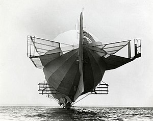 Zeppelin - Zeppelin LZ 4 with its multiple stabilizers, 1908