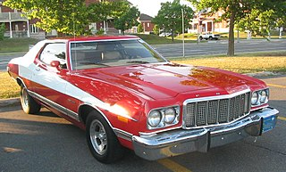 http://upload.wikimedia.org/wikipedia/commons/thumb/1/17/%2774_Ford_Gran_Torino_Starsky_%26_Hutch_%28Auto_classique_Jukebox_Burgers_%2711%29.JPG/320px-%2774_Ford_Gran_Torino_Starsky_%26_Hutch_%28Auto_classique_Jukebox_Burgers_%2711%29.JPG