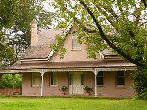 Castle Hill, New South Wales - Verandahed bungalow, Benaara Garden