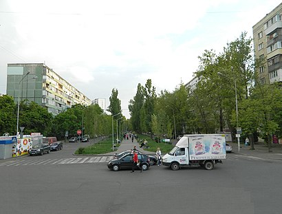 How to get to бульвар Ігоря Шамо 1 with public transit - About the place
