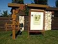 Хата, в якій жив Антонич Б.-І., укр. поет (художньо-меморіальна табличка, ск. В.Одрехівський, арх. К.Малярчук, 1989, бронза), с.Бортятин 02.jpg