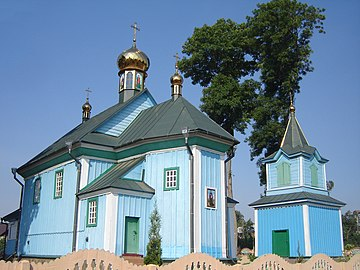 Церква св. Параскеви з дзвіницею.jpg