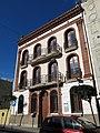 017 Casa dels mestres de l'escola Ventós Mir, c. Mossèn Anton 78-80 (Badalona).jpg