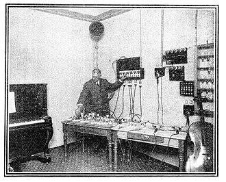 Musolaphone - Image: 1913 Chicago Musolaphone Comer demonstration