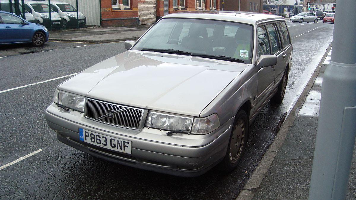 1997 Volvo V90 (12467984223).jpg