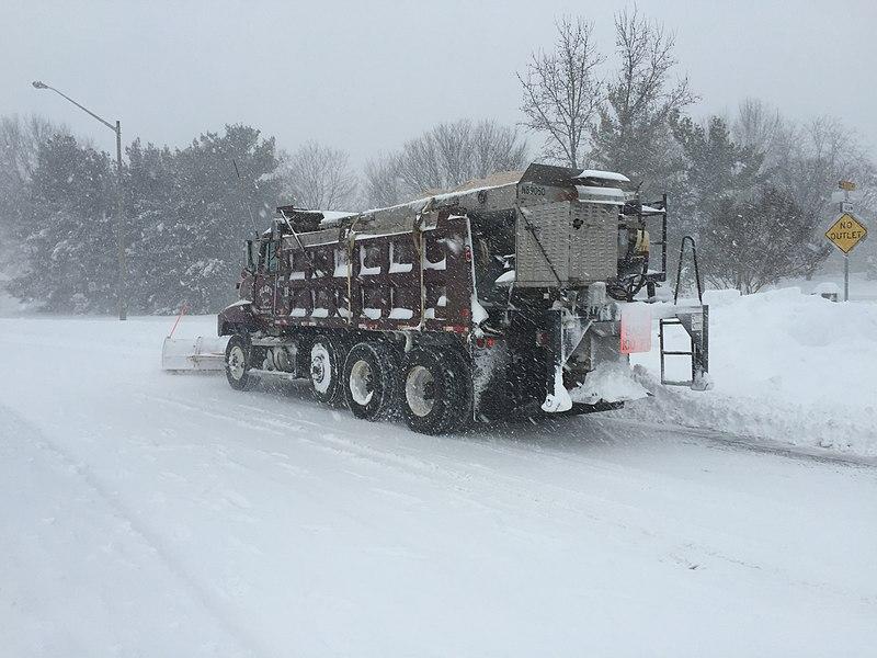 File:2016-01-23 15 31 59 Snow plow along Franklin Farm ...