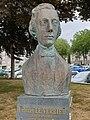 20190 buste de Le Verrier à Saint-Lô.jpg