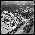 3.3.65. Pic du Midi et village de la Mongie dans la neige (1965) - 53Fi5077.jpg