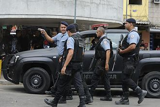 Pacifying Police Unit - PMERJ arrive to reinforce the UPP in Rocinha after gunfire