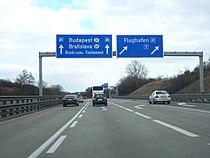 A4 Flughafen Wien 4.JPG