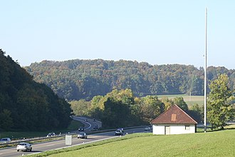 Drackensteiner Hang - Divergence point at Hohenstadt: southbound carriageway on the left, northbound on the right