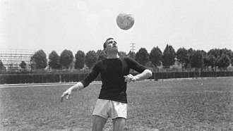 Pedro Manfredini - Manfredini in training with A.S. Roma between 1950s and 1960s
