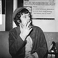 Aankomst Engelse zanger Donovan op Schiphol (optreden in fanclub), Bestanddeelnr 918-7453.jpg