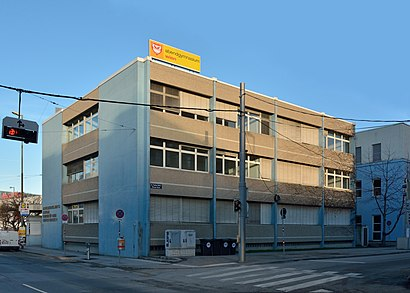 So kommt man zu Abendgymnasium Wien mit den Öffentlichen - Mehr zum Ort Hier