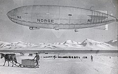 Airship Norge Ny-Ålesund.jpg