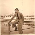 Alberto Dalla Volta al porto di Desenzano del Garda.png
