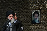 Ali Khamenei in Rahian-e Noor027.jpg