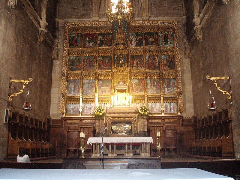 File:Altar mayor de la Colegiata de San Isidoro de León.JPG