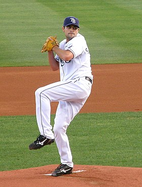 Andy Sonnanstine pitches 3.jpg