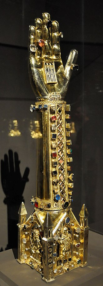 Treasury of St. Vitus Cathedral - Image: Arm of St George