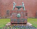 Arthur Schlossmann Denkmal Uniklinik Düsseldorf.jpg
