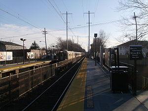 Avenel station - Train passing through Avenel station