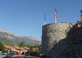 The tower, the only remains of the ancient castle of La Bâtie-Neuve