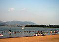 Bãi tắm hồ Đại Lải.jpg
