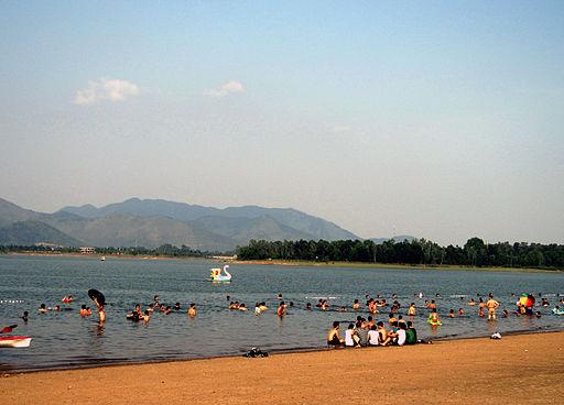 Bãi tắm hồ Đại Lải